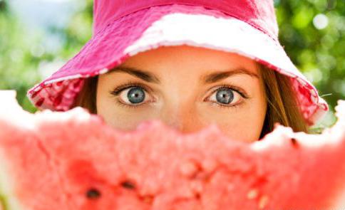 Maschere all'anguria, il fai da te per la cura di tutti i tipi di pelle