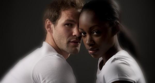 Coppie interrazziali: Amore fa rima con diversità o uguaglianza?