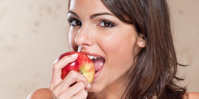 donna-mangia-salutare