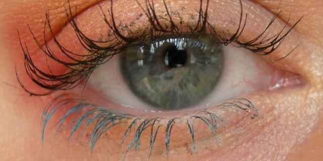 mascara-colorato