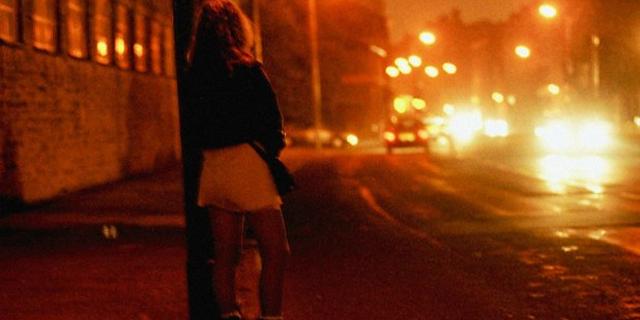 Roma, Sesso all'aria aperto con prostitute. Foto pubblicate sul web [FOTO]