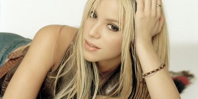 """Shakira: da """"She Wolf"""" a """"Waka Waka"""", la popstar del decennio"""