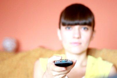 Guardare la televisione per un' ora accorcia la vita di 22 minuti