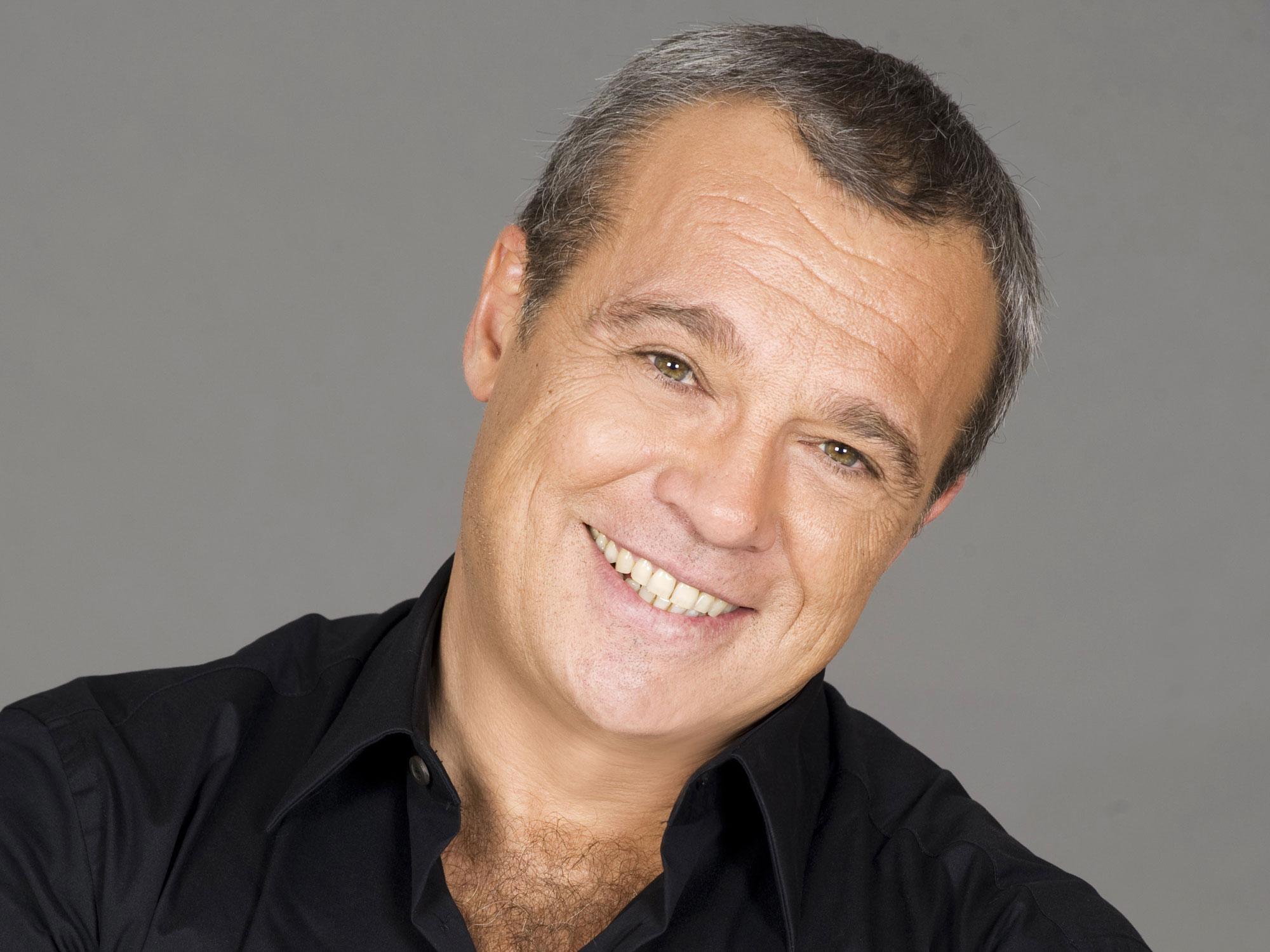 """Claudio Amendola, il celebre """"Cesaroni"""", secondo la moglie sarebbe formidabile a letto"""