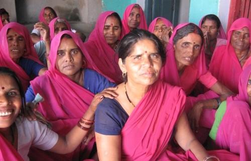 La Gulabi Gang, le giustiziere in rosa