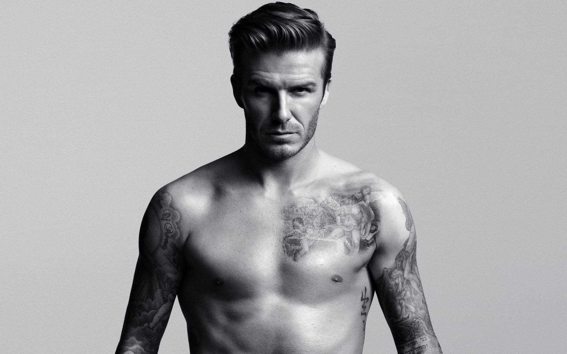 David Beckham in intimo per H&M [FOTO]