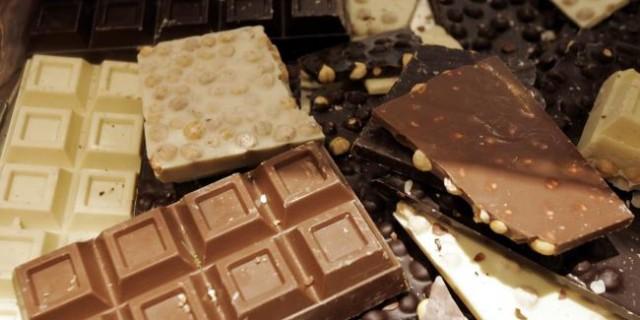 Torta pere e cioccolato: dolcezza anticrisi