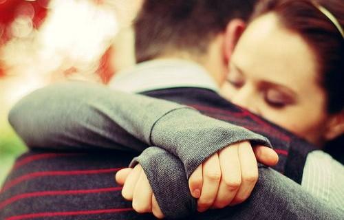 Le 5 canzoni italiane da ascoltare dopo la fine di una storia d'amore