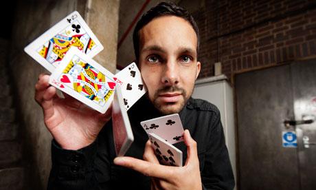 Steven Frayne in arte Dynamo: tra illusionismo e magia.