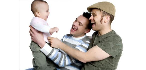 """Cassazione: """"nessun pregiudizio per figli cresciuti da coppie gay"""""""