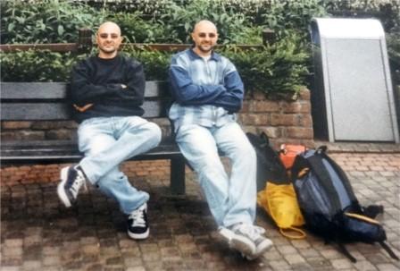 Eutanasia: tragico epilogo per due gemelli uniti dalla nascita fino alla morte