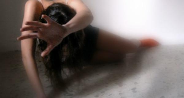 stupratore-testicoli-bruciati