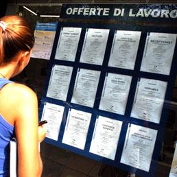 """La Cgil denuncia: ben 9 milioni di italiani """"senza occupazione"""" nell'anno 2012."""
