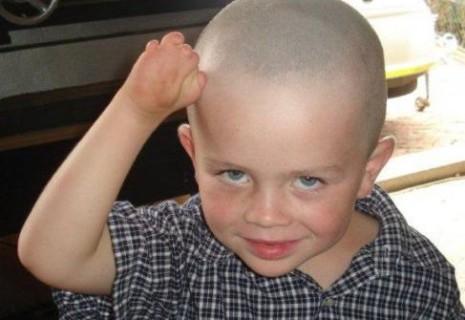 Un aiuto dal web: una nuova mano per Liam