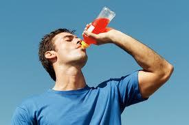 Allarme energy drink: ne fa uso il 68% degli adolescenti