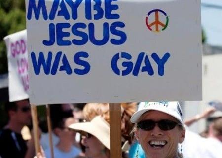 Gesù Gay: una satira che scatena la polemica