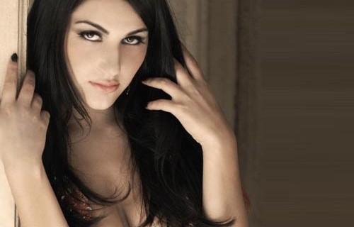 Valentina Nappi cerca attori per spot porno