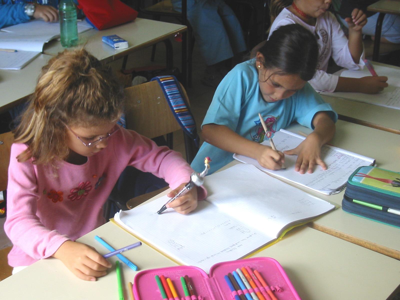 Napoli: muore bambino in classe, indagate le maestre