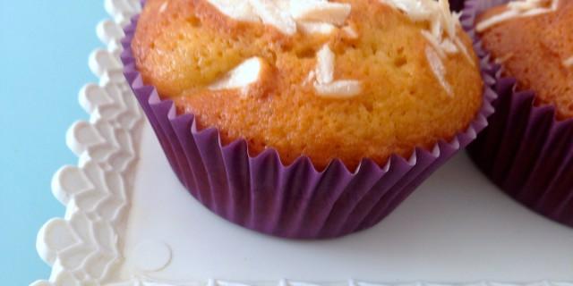 Muffin di mandorle e carote, senza lattosio