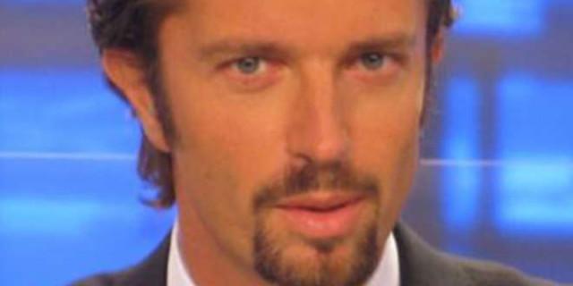 Fabio Tavelli, volto del giornalismo sportivo di Sky, vittima di stalking.