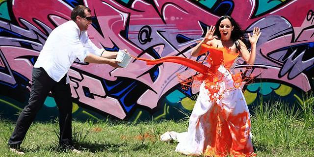 Trash the dress, distruggi il tuo abito da sposa!