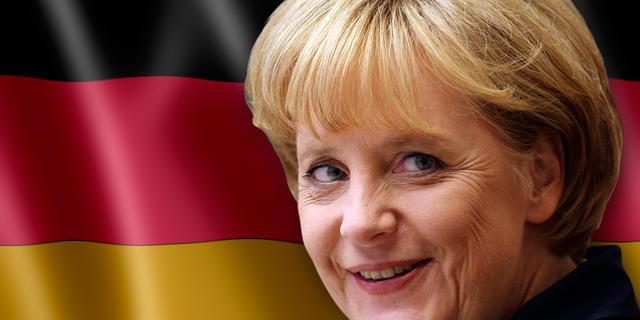 Angela Merkel nuda: foto della cancelliera da giovane senza veli