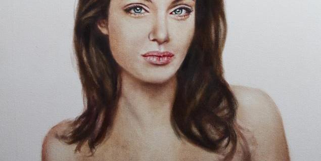 Ritratto del nudo di Angelina Jolie dopo la mastectomia