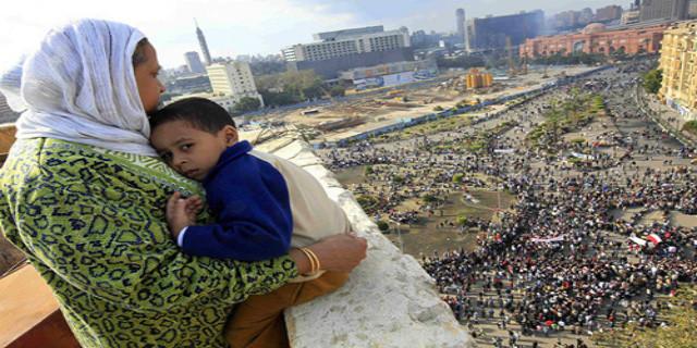 Egitto, il Bacio per strada. Metafora contro ogni divieto