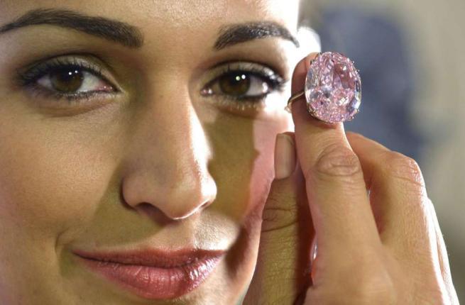 Pink Star: all'asta un Diamante da Record (50milioni di euro) [FOTO]