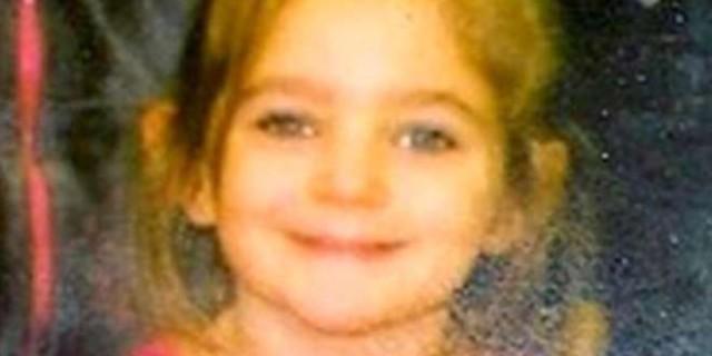Fiona, 5 anni: uccisa dal patrigno e sepolta nuda sotto gli occhi della sorella