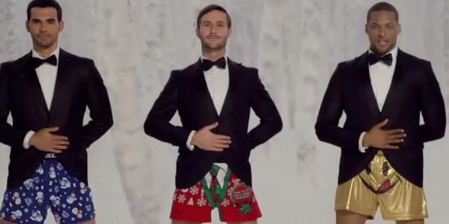 La pubblicità natalizia con una sorpresa tintinnante [VIDEO]