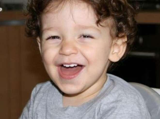 Shock a Piacenza: papà dimentica figlio in auto per 8 ore