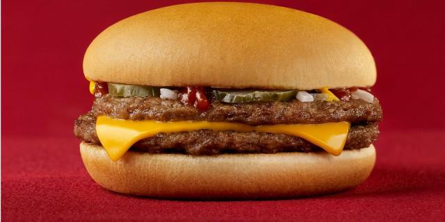Vetro, preservativi e plastica nel cibo: aumentano gli episodi a McDonald's