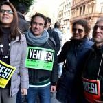"""Operai licenziati scrivono a Papa Francesco: """"Senza lavoro dobbiamo pensare all'aborto"""""""