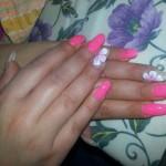 Lo smalto sulle unghie? Decisamente out! Le nuove tendenze della nail art in gel svelate da un'onicotecnica professionista