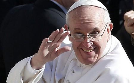 """Papa Francesco: """"Per la povertà del mondo basta parole! Dobbiamo vendere le Chiese!"""""""