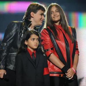La figlia di Michael Jackson ha tentato il suicidio.