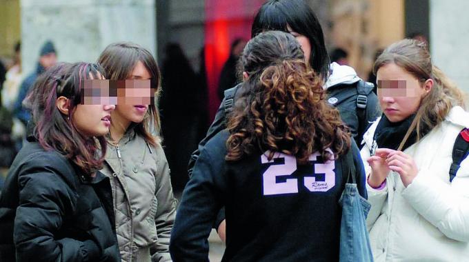 Bullismo: rissa tra ragazzine. Il video shock postato sui social [VIDEO]