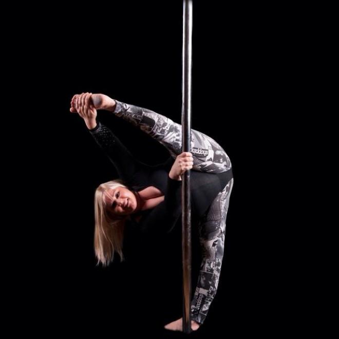 Emma: ballerina oversize sfida il mondo della danza [VIDEO]