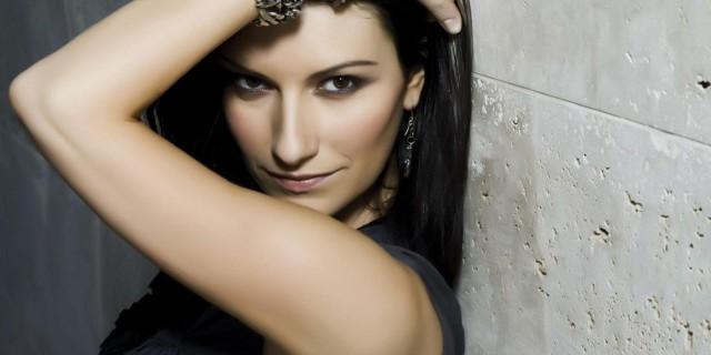 Laura Pausini è morta: la bufala fa il giro del web
