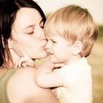 """""""Non sono il genitore 1, sono la mamma"""" la protesta di una donna contagia i genitori"""
