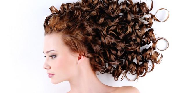 Piega mossa capelli medi fai da te
