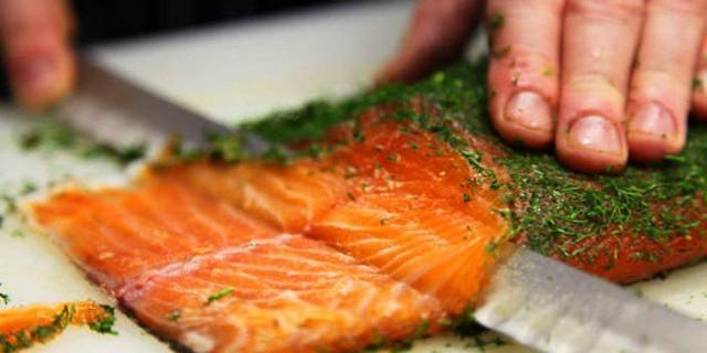10 Motivi (poco conosciuti) per cui è Meglio Evitare di Mangiare il Salmone