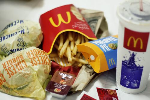5 brutte verit sui fast food raccontate da chi ci lavora roba da donne in cucina - Cibi che fanno andare in bagno ...