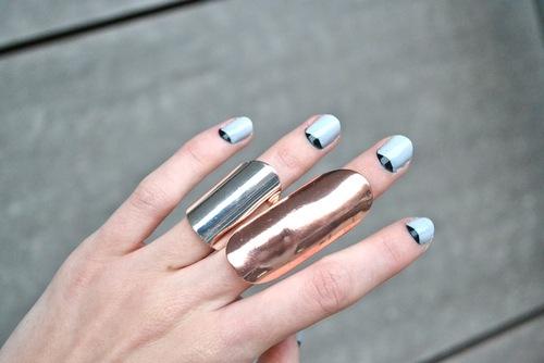 16 consigli per una nail art fai da te di grande effetto - Unghie effetto specchio fai da te ...