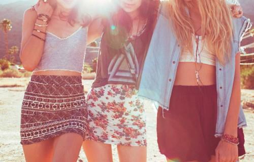 Come indossare una minigonna senza sembrare volgari