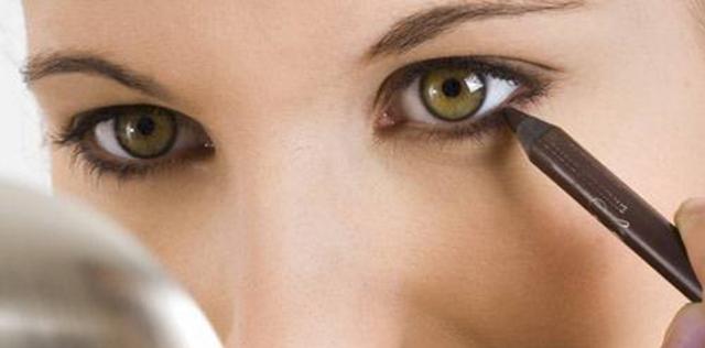 come mettere eyeliner