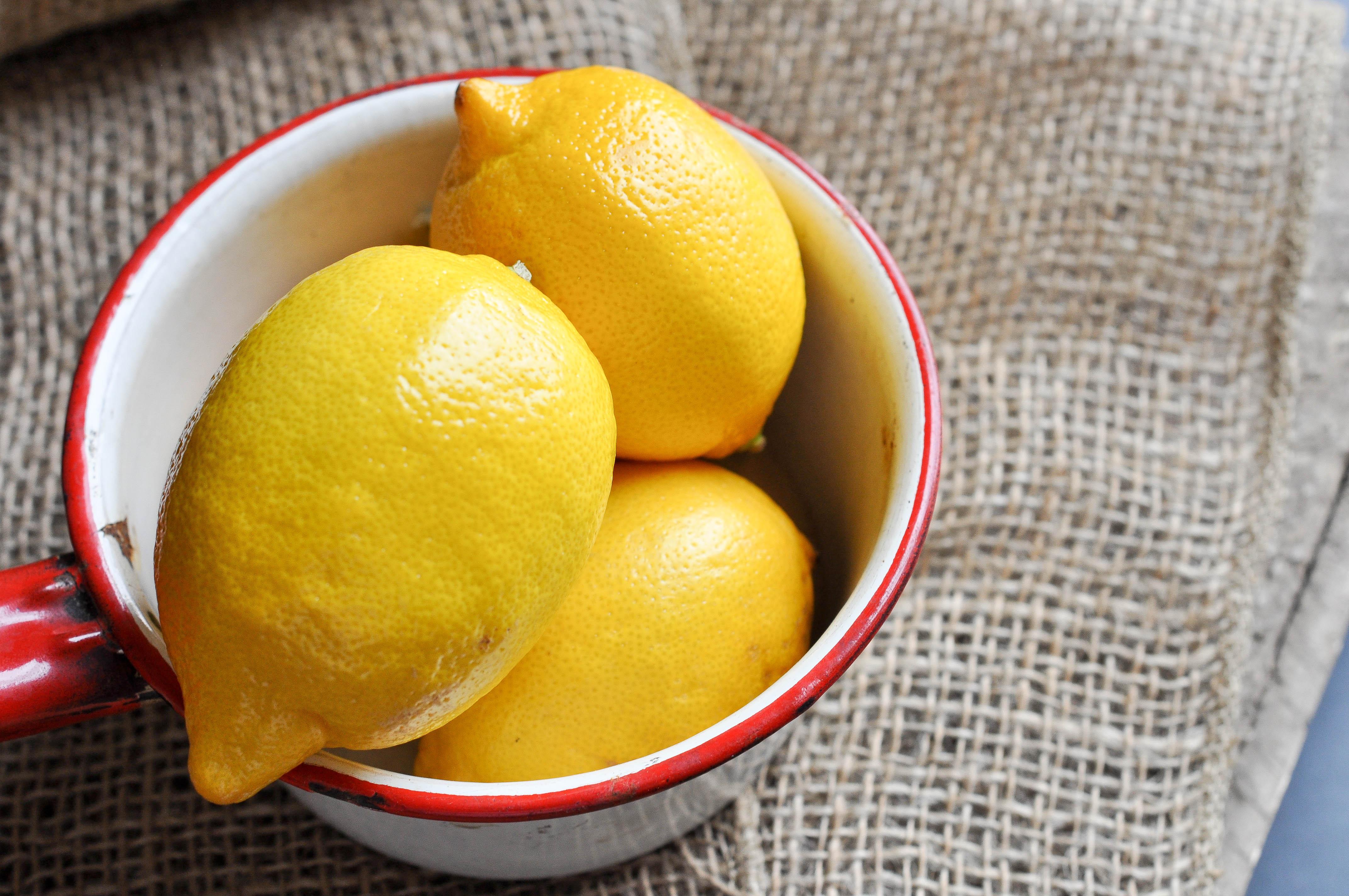 Depilazione indolore e naturale con la ceretta alla zucchero fai da te