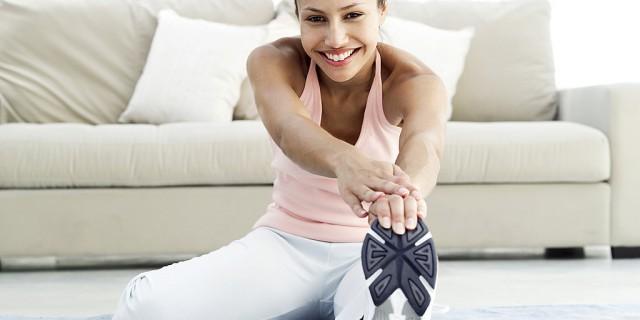 5 Semplici Esercizi Per Tenersi In Forma Senza Uscire Di Casa