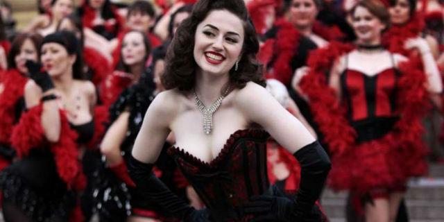 addio al nubilato: a lezione di burlesque